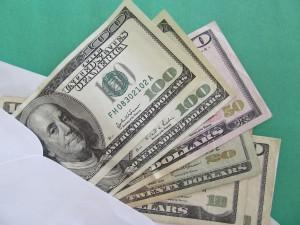 recibir ayuda monetaria es una solución a la crisis